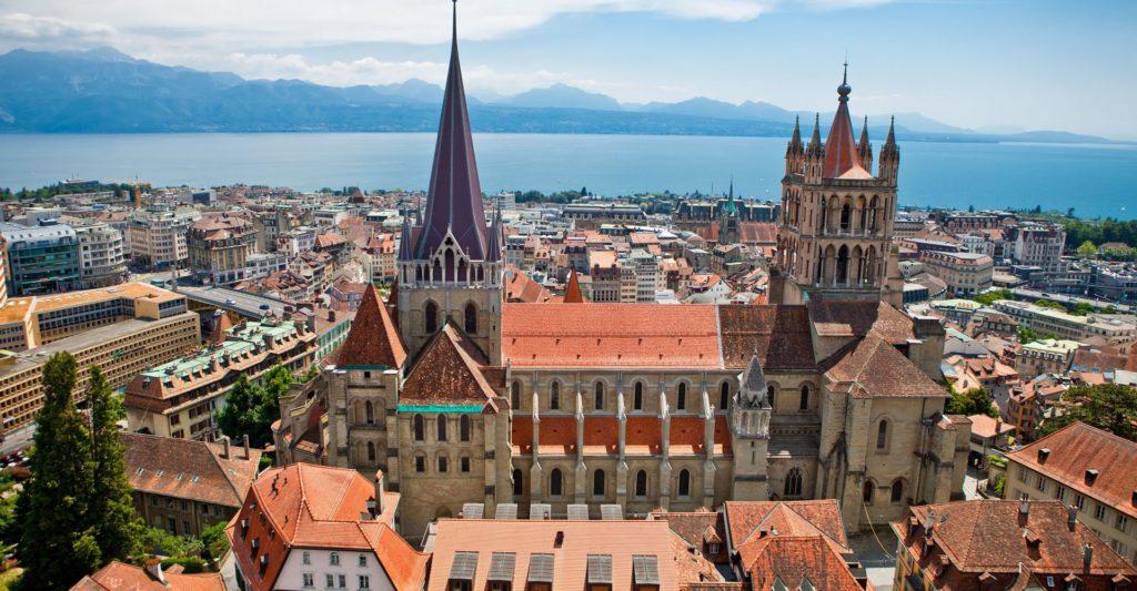 Photo ville de Lausanne et lac Léman
